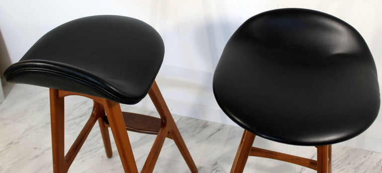 Mid-Century Modern Pair of Erik Buck Buch Leather Rosewood Bar Stools Danish For Sale 3