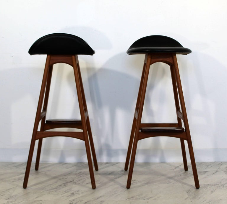 Mid-Century Modern Pair of Erik Buck Buch Leather Rosewood Bar Stools Danish For Sale 2