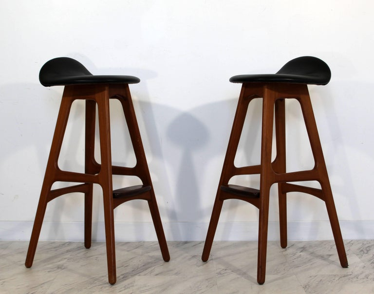 Mid-Century Modern Pair of Erik Buck Buch Leather Rosewood Bar Stools Danish In Good Condition For Sale In Keego Harbor, MI