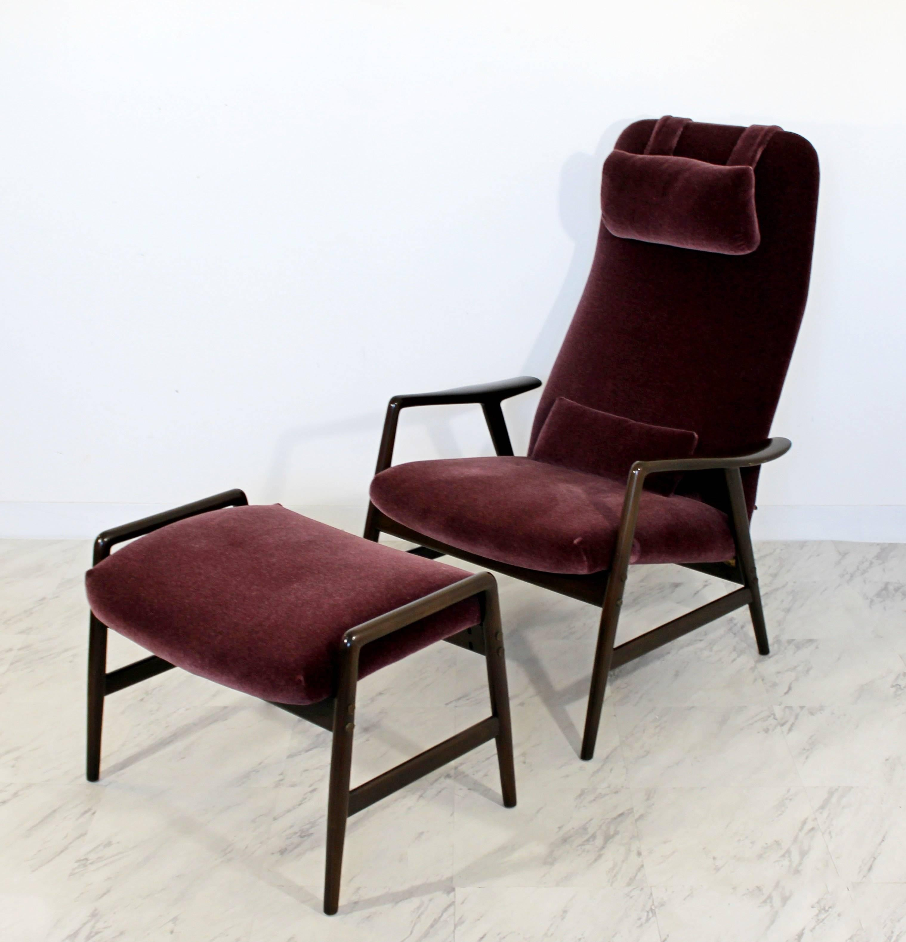For Your Consideration Is A Magnificent, High Back, Reclining Lounge Chair  And Ottoman,