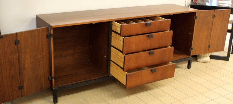 Mid-Century Modern Walnut Credenza Sideboard Kipp Stewart for Directional, 1950s For Sale 3