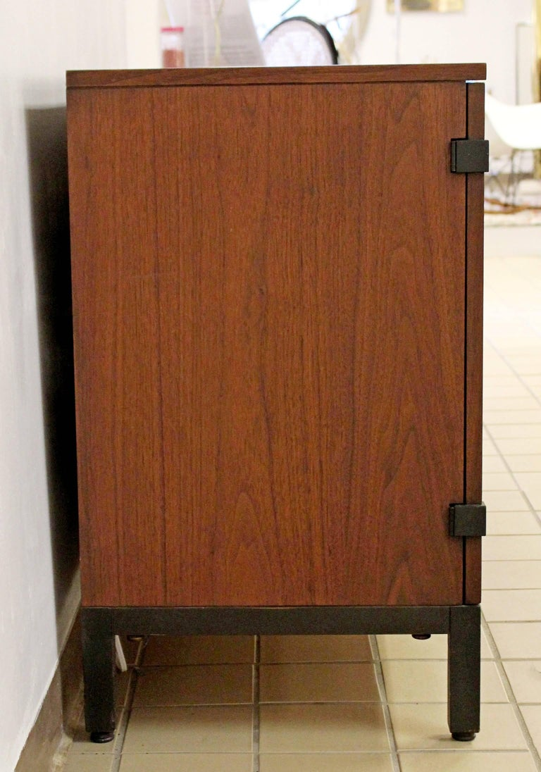 Mid-Century Modern Walnut Credenza Sideboard Kipp Stewart for Directional, 1950s For Sale 1