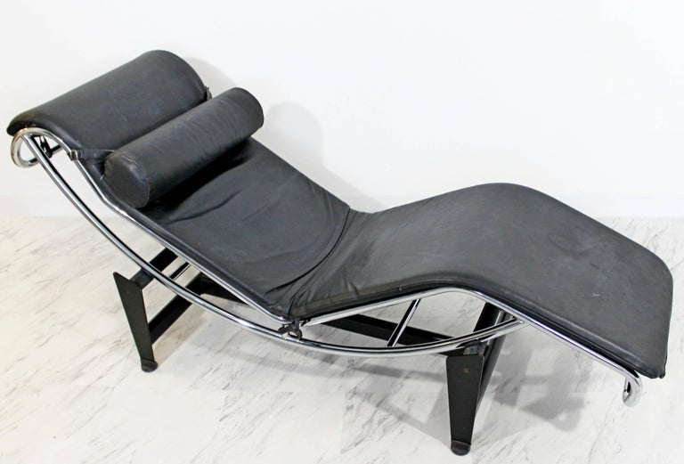Mid-Century Modern Le Corbusier Cassina Black Leather Chrome Chaise Lounge 2