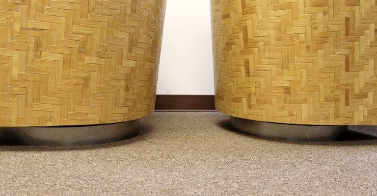 Mid-Century Modern Pair of Baughman Thayer Coggin Wood Club Barrel Swivel Chairs For Sale 2