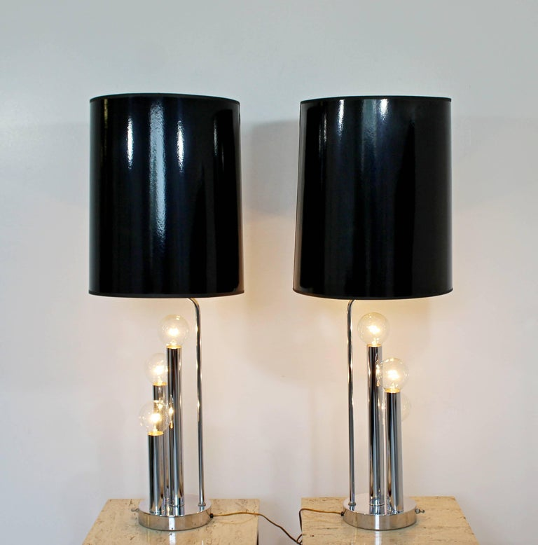 Mid-Century Modern Robert Sonneman Pair of Chrome Three Bulb Table Lamps 1970s For Sale 2