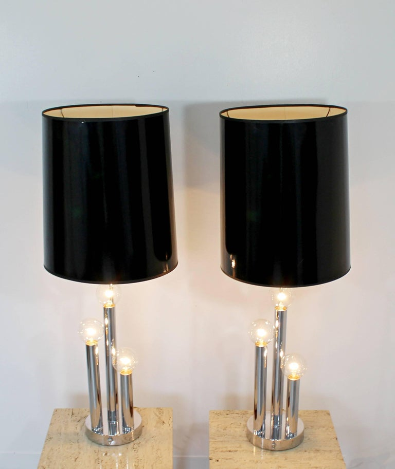 Late 20th Century Mid-Century Modern Robert Sonneman Pair of Chrome Three Bulb Table Lamps 1970s For Sale