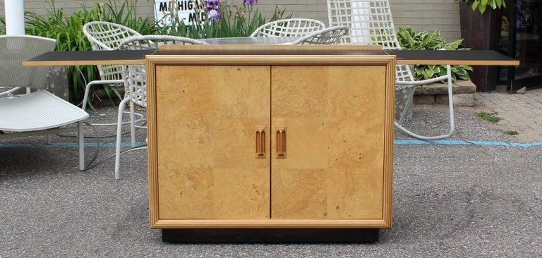 Mid-Century Modern Burled Olive Wood Henredon Dry Bart Cart on Wheels 1970s For Sale 3