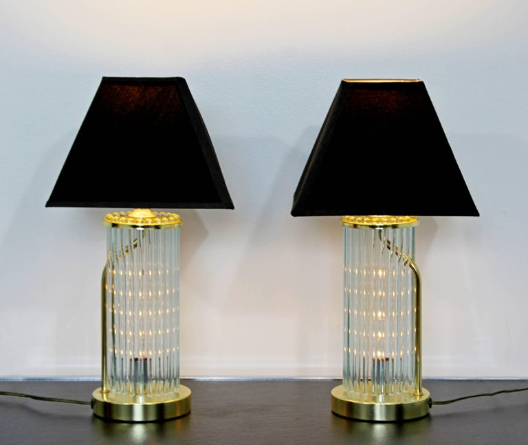 Italian Mid-Century Modern Pair of Table Lamps Brass Glass Sciolari Lightolier, 1970s For Sale