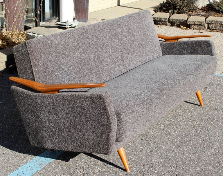 Mid-20th Century Mid-Century Modern Sculptural Reclining Sofa Daybed Danish Hvidt Style, 1960s For Sale