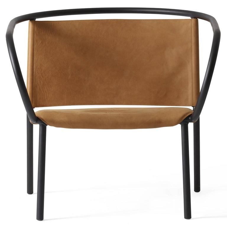 Combining the iconic to create the new. The two newcomers from Afteroom – the lounge vhair and the dining vhair - are the result of combining the inspiration from two iconic chairs of early modernism. The 'Thonet Bentwood Armchair' by Michael Thonet