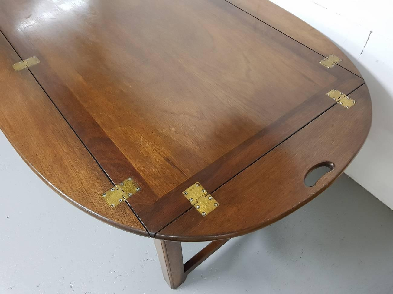 British 20th English Chippendale Style Mahogany Butleru0027s Tray Table For Sale