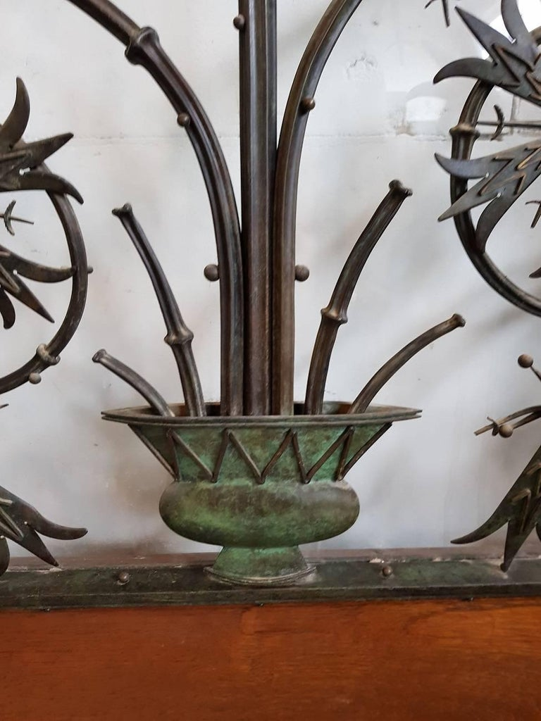 Rare Early 20th Century Dutch Brons Art Nouveau Door Grille in a Oak Door In Excellent Condition For Sale In Raalte, NL