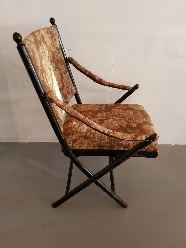Early 1900s French Black Lacquered wooden Folding Chair. - Early 1900s French Black Lacquered Wooden Folding Chair. For Sale At