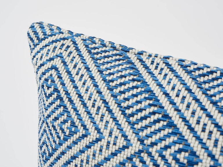 Inspired by basket designs, this concentric diamond pattern is woven from Dralon acrylic yarns. Textured and extremely durable, it is suitable for both indoor or outdoor decor settings. Finished in France and originally part of our Côte d'Azur