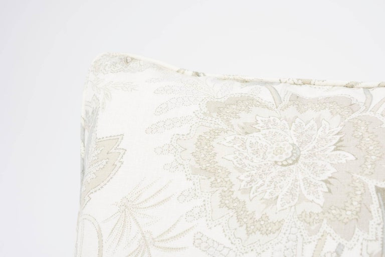 Mid-Century Modern Schumacher Sandoway Vine French Floral Motif White Two-Sided Linen Pillow For Sale
