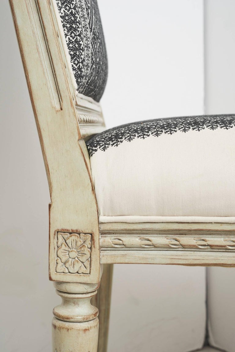 Cotton Schumacher Louis XVI Vogue Living Toledo Noir Upholstered Side Chairs, Pair For Sale