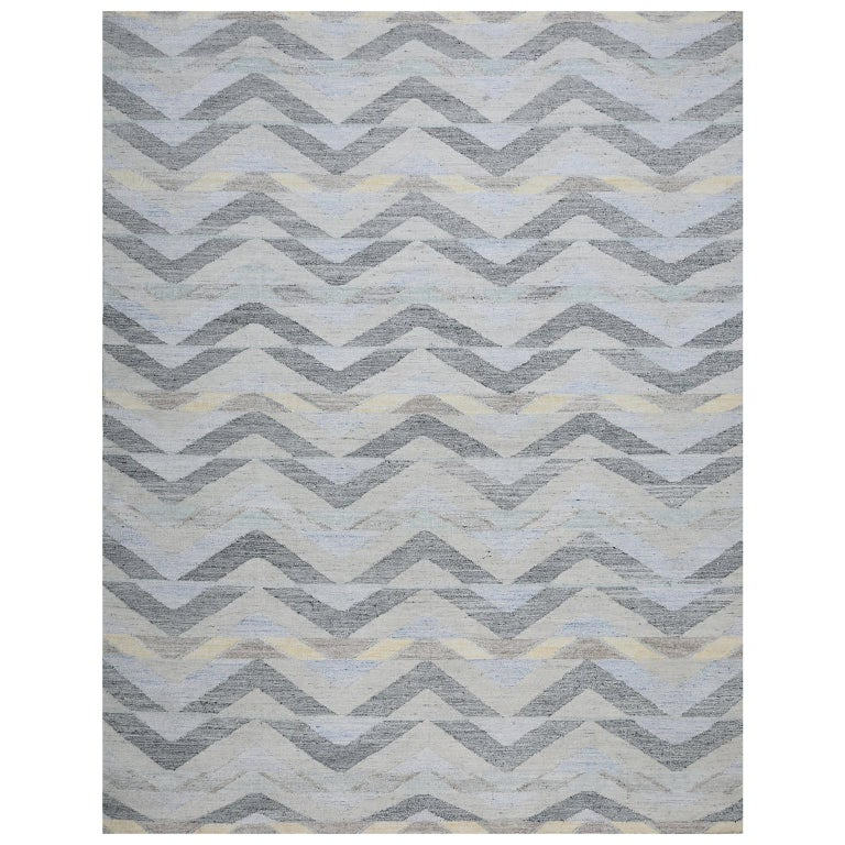 Schumacher Solona Area Rug in Hand Woven Viscose by Patterson Flynn Martin For Sale
