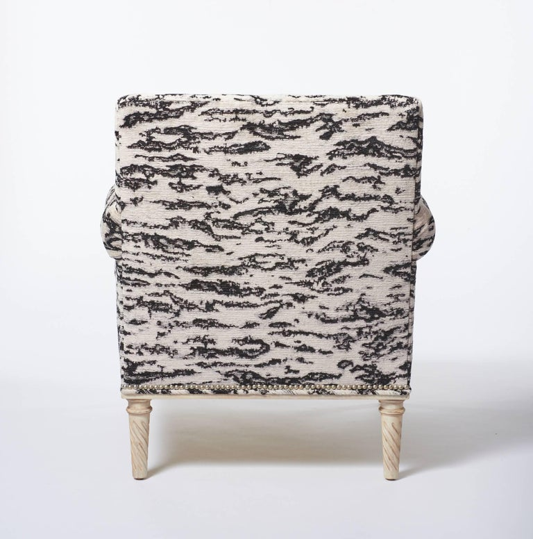Turned Schumacher Jansen Serengeti Tigre Blanc Chenille Maplewood-Legged Sock Arm Chair For Sale