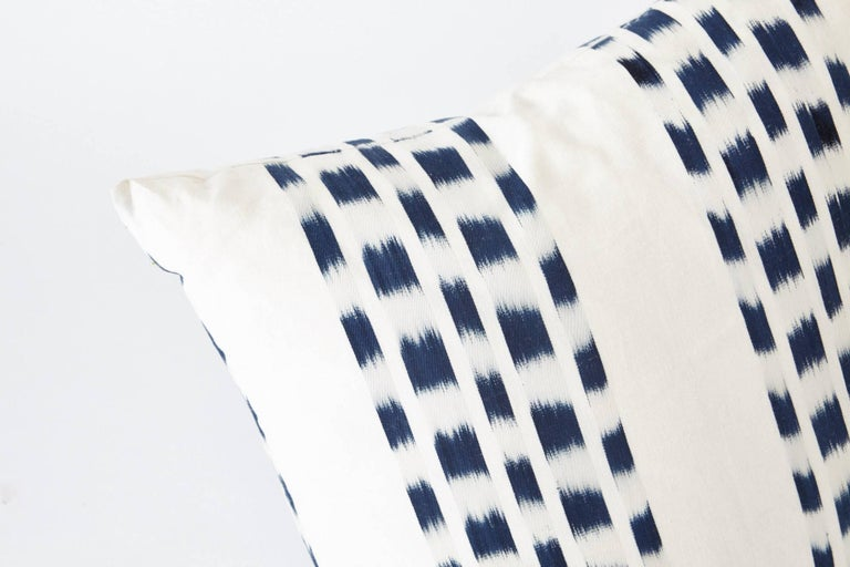 Schumacher Izmir Stripe Ikat Woven Indigo Blue Two-Sided Pillows, Pair In New Condition For Sale In New York, NY
