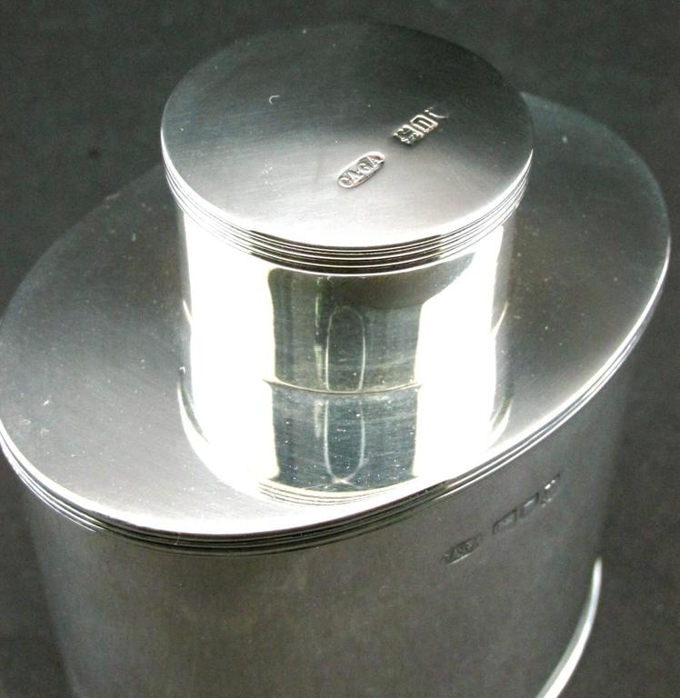 Georgian Style Sterling Silver Tea Caddy by Asprey, Hallmarked London, 1908 In Good Condition For Sale In Ottawa, Ontario