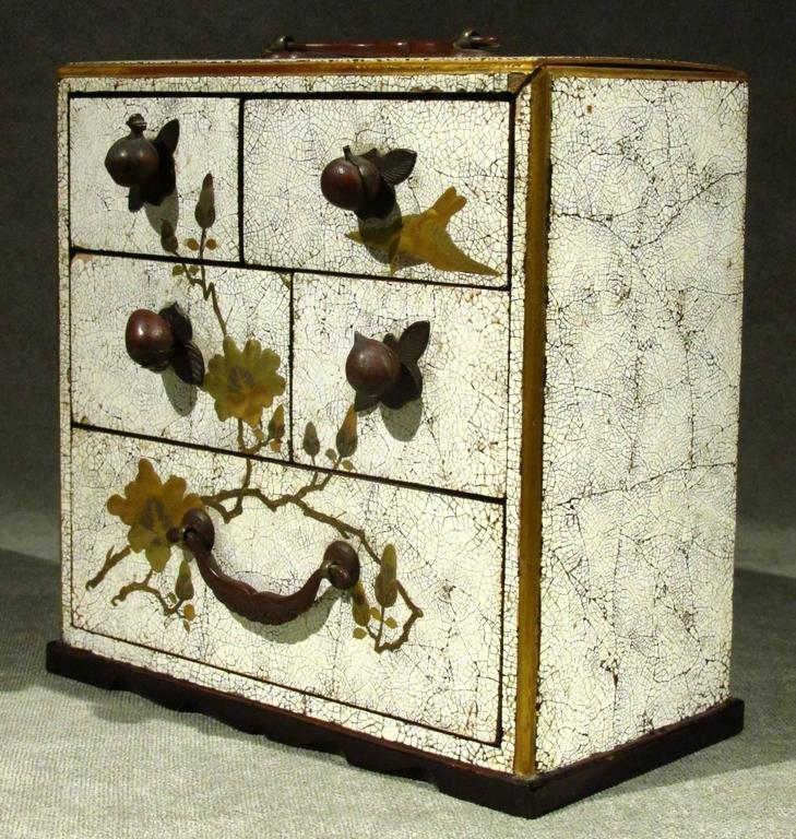 Hand-Painted Signed Japanese White Lacquer and Maki-E Lacquer Tansu, Meiji Period For Sale