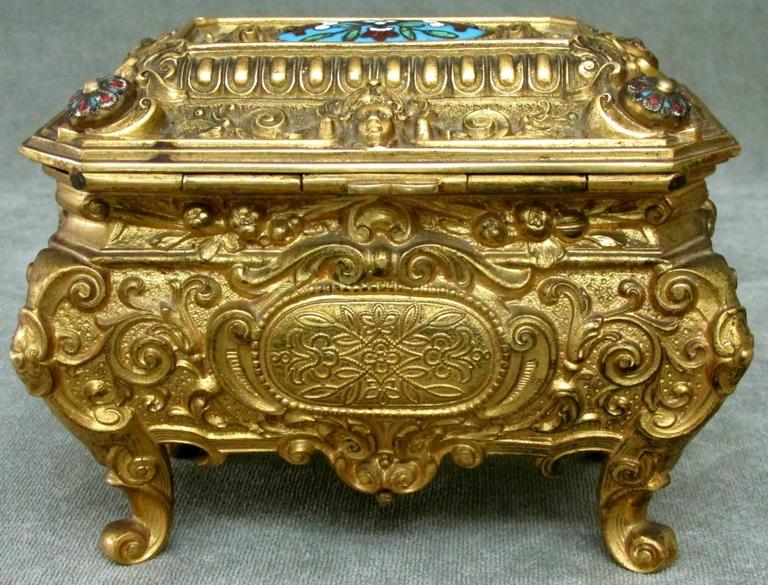 Early 20th Century Rococo Revival Gilt Bronze & Enamel Jewellery Casket In Good Condition For Sale In Ottawa, Ontario