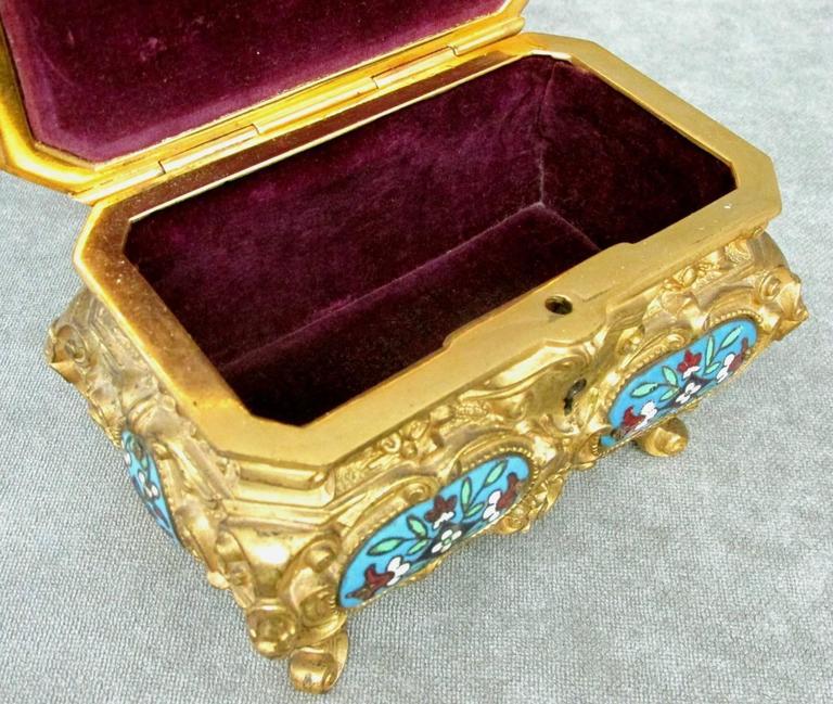 Early 20th Century Rococo Revival Gilt Bronze & Enamel Jewellery Casket For Sale 3