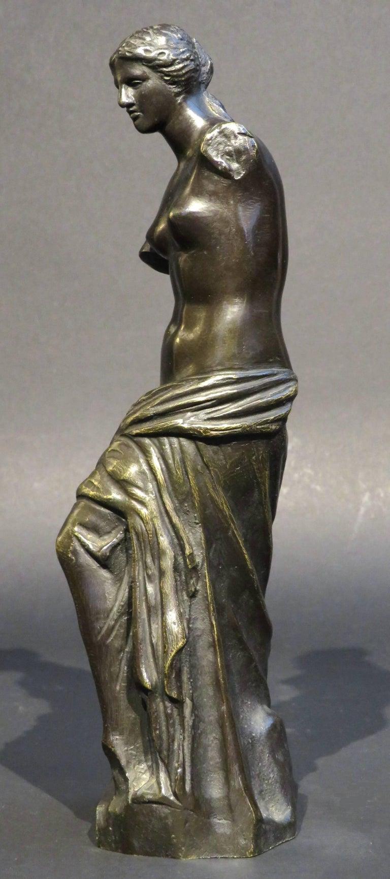 Cast 19th Century Grand Tour Style Bronze of Venus De Milo, Continental, Circa 1890 For Sale