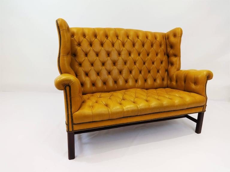 Chesterfield sofa definition chesterfield sofa 4752 for Define settee