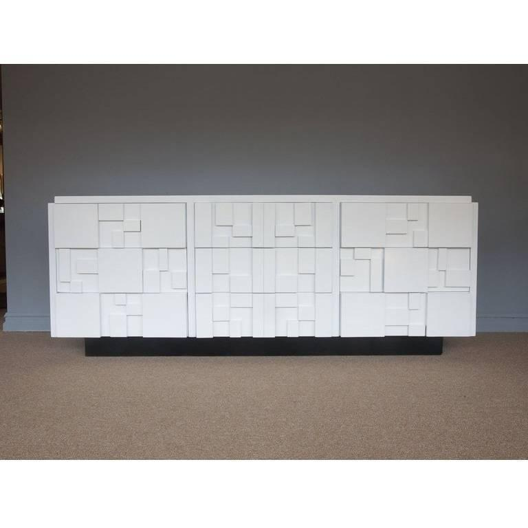 Lacquered Brutalist Credenza By Lane Furniture In Excellent Condition For Dallas Tx