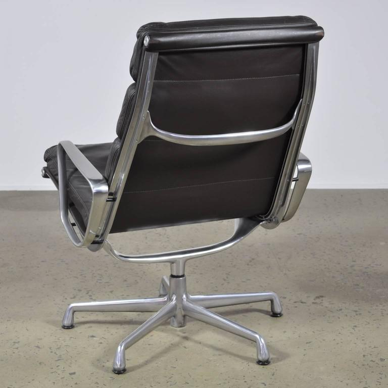 The Clean Contemporary Silhouette Of This Iconic Soft Pad Lounge Desk Chair For Herman