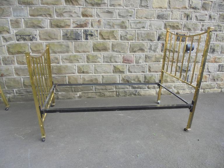 antique brass framed single bed frame for sale at 1stdibs. Black Bedroom Furniture Sets. Home Design Ideas