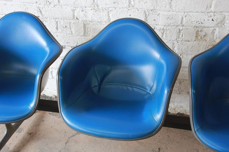 20th Century Tandem Three-Seat Shell Chairs by Charles & Ray Eames for Herman Miller For Sale