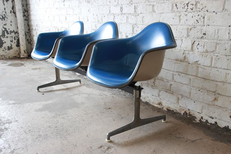 American Tandem Three-Seat Shell Chairs by Charles & Ray Eames for Herman Miller For Sale