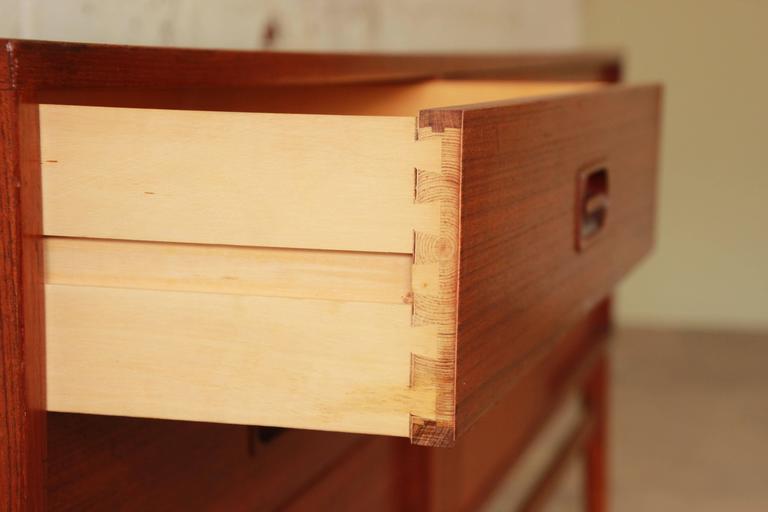 Danish Modern Teak Long Credenza in the Manner of Arne Vodder For Sale 5