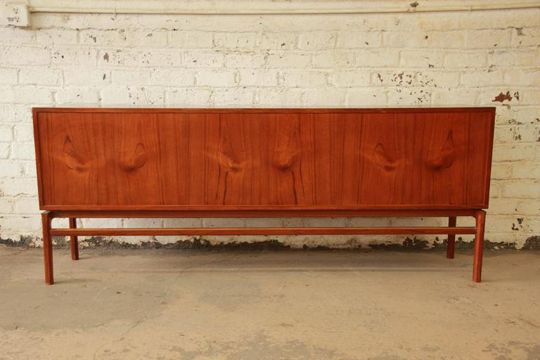 Danish Modern Teak Long Credenza in the Manner of Arne Vodder For Sale 2
