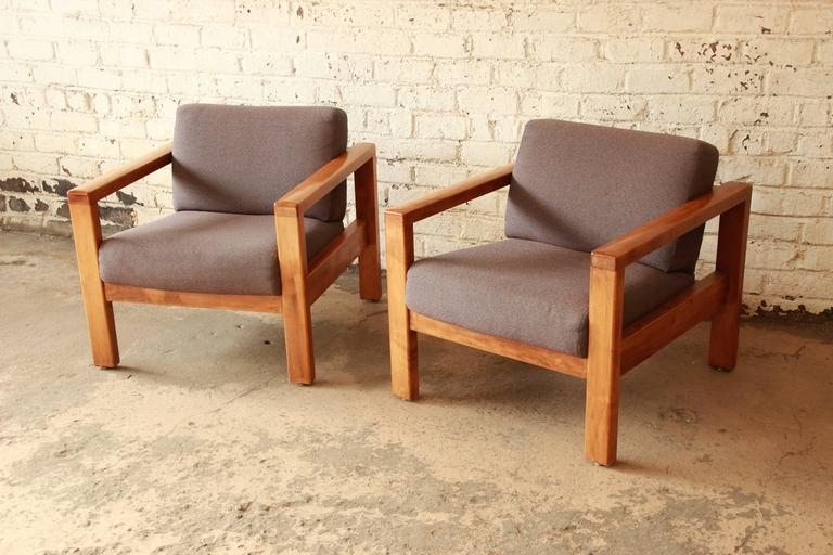 American Mid Century Modern Style Club Chairs By Jasper Chair Co. For Sale