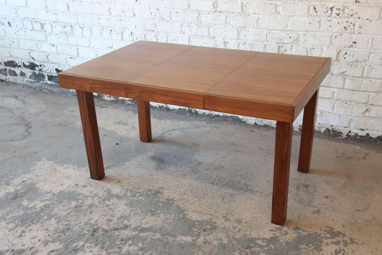 Mid-20th Century Early George Nelson for Herman Miller Walnut Extension Dining Table For Sale