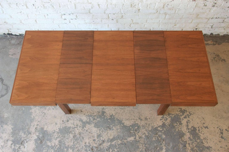 North American Early George Nelson for Herman Miller Walnut Extension Dining Table For Sale