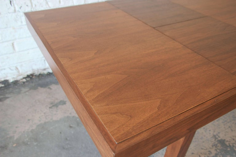 Early George Nelson for Herman Miller Walnut Extension Dining Table For Sale 3