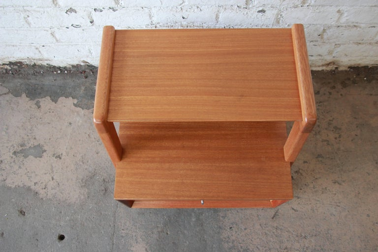 Mahogany Paul Laszlo for Brown Saltman Mid-Century Modern Nightstand or Side Table For Sale
