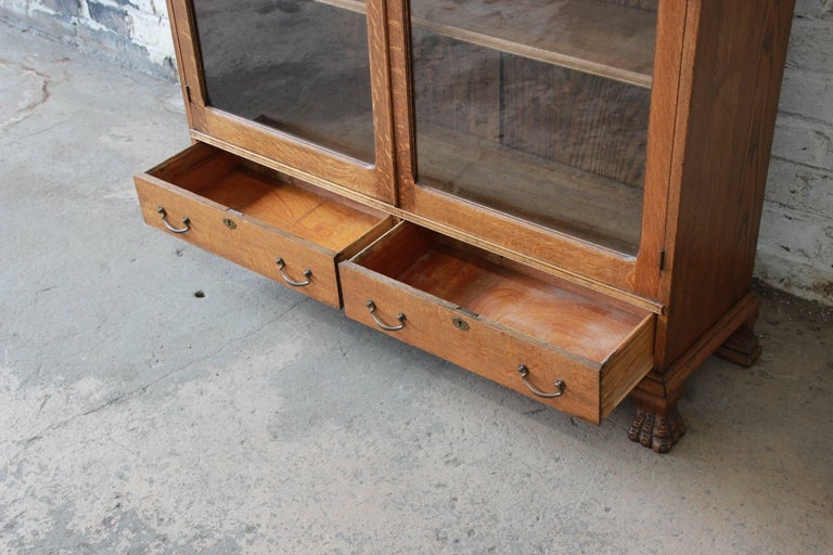 Antique Carved Oak Bookcase with Leaded Stained Glass Doors, circa 1900 For Sale 2