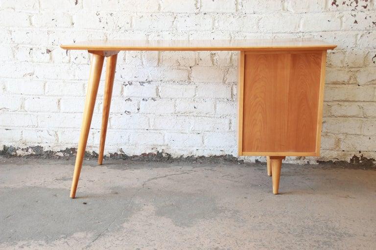 Paul McCobb Mid-Century Modern Planner Group Desk, 1950s For Sale 7