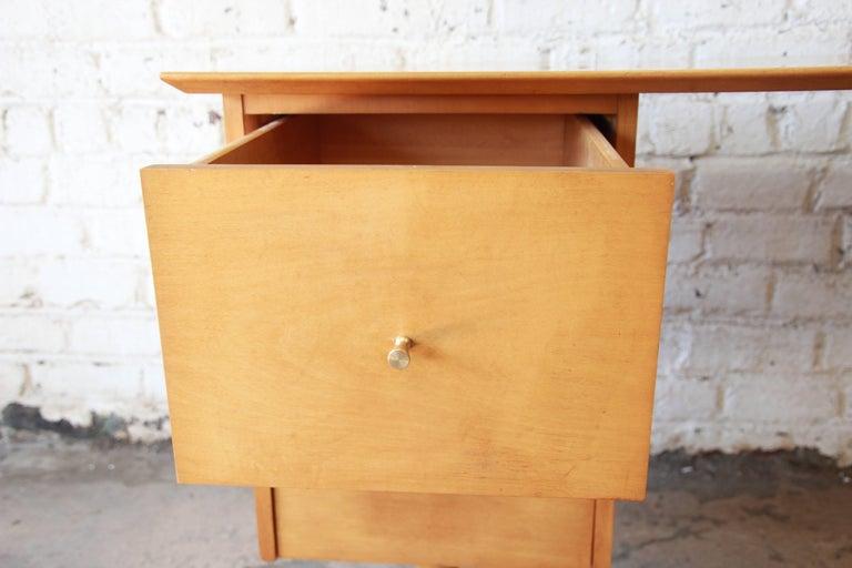 Paul McCobb Mid-Century Modern Planner Group Desk, 1950s For Sale 3