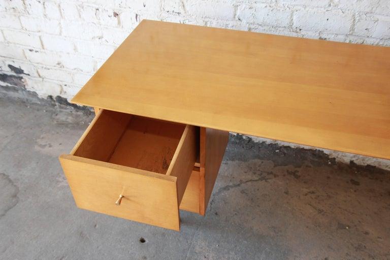 Paul McCobb Mid-Century Modern Planner Group Desk, 1950s For Sale 6