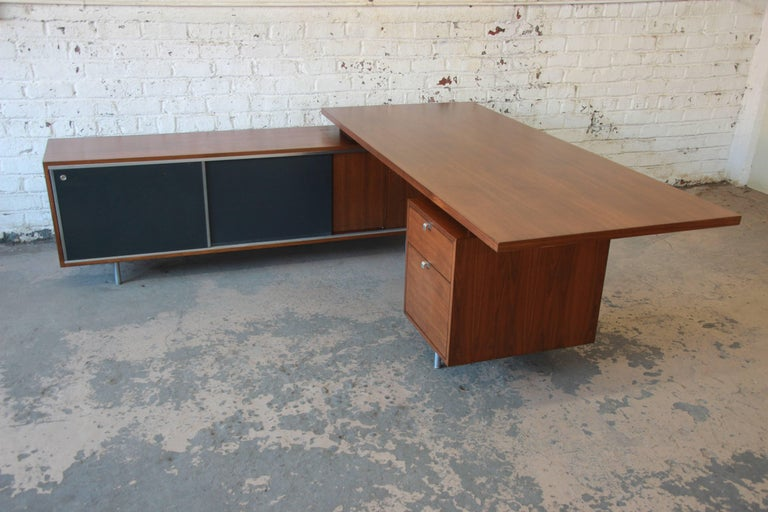Mid-Century Modern George Nelson for Herman Miller L-Shaped Executive Desk, 1950s For Sale