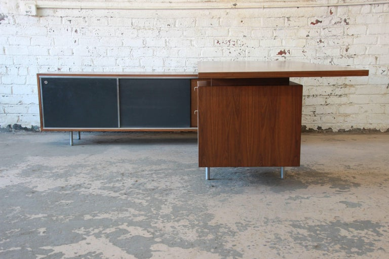 American George Nelson for Herman Miller L-Shaped Executive Desk, 1950s For Sale