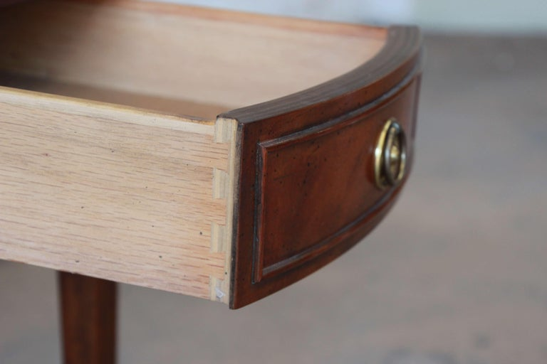 Baker Furniture Mahogany and Inlaid Satinwood Drop-Leaf Side Table For Sale 4