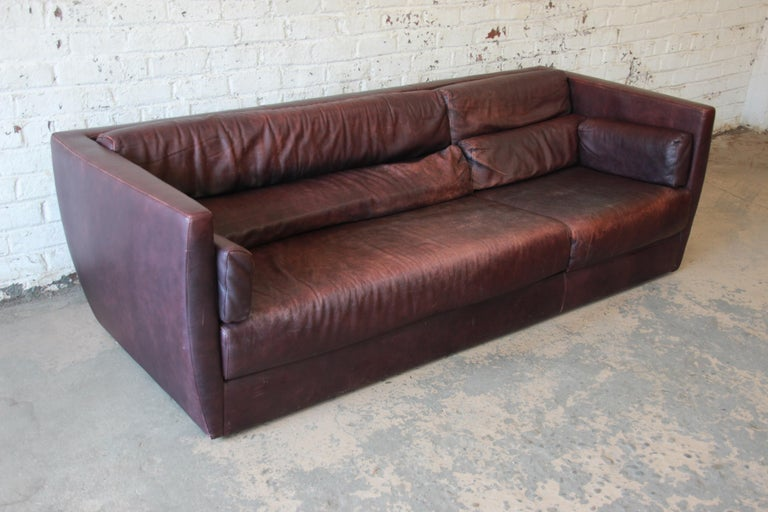 Roche Bobois Bauhaus Style Leather Sofa, 1970s In Good Condition For Sale In South Bend, IN