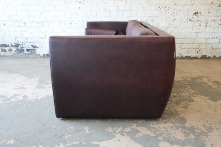Roche Bobois Bauhaus Style Leather Sofa, 1970s For Sale 2